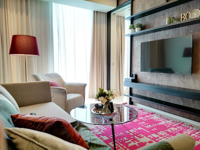 Luxe 1BR Flat @ 3 mins Walk to Petronas Towers !!