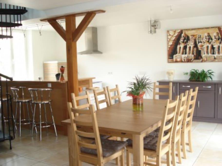 salle à manger - cuisine ouverte