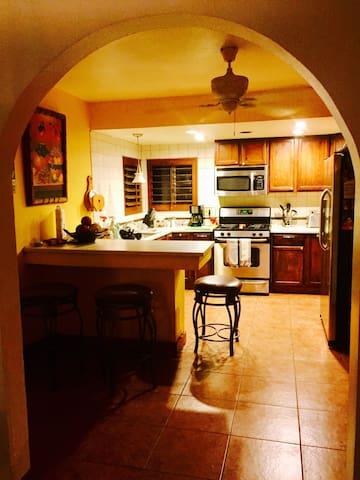 Big spacious home in Coachella - Coachella - Huis