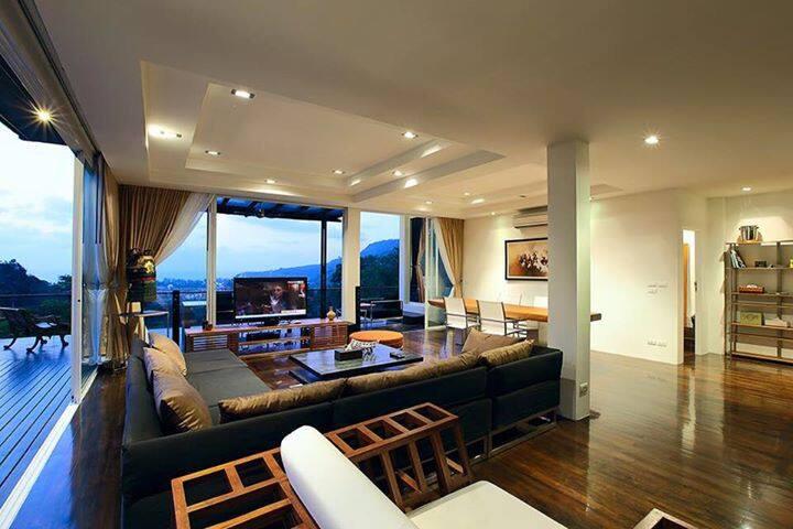Luxury Condo Penthouse Unit with Sea Views - Tambon Kammala - Lyxvåning