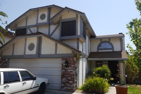 Zen 3BD Home with Pool & Hot Tub - It's all yours! - Antelope