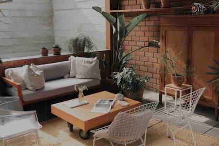 Encantadora habitación con terraza en Surco