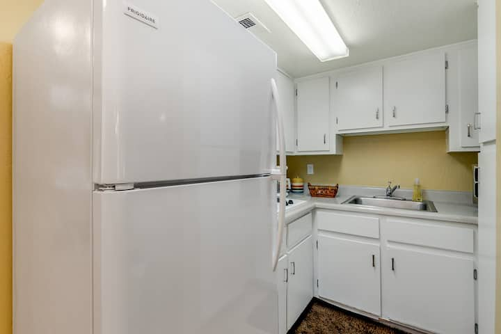 SURPRISE AZ Condo! SUPER CLEAN n CUTE! 1 Bed/Bath