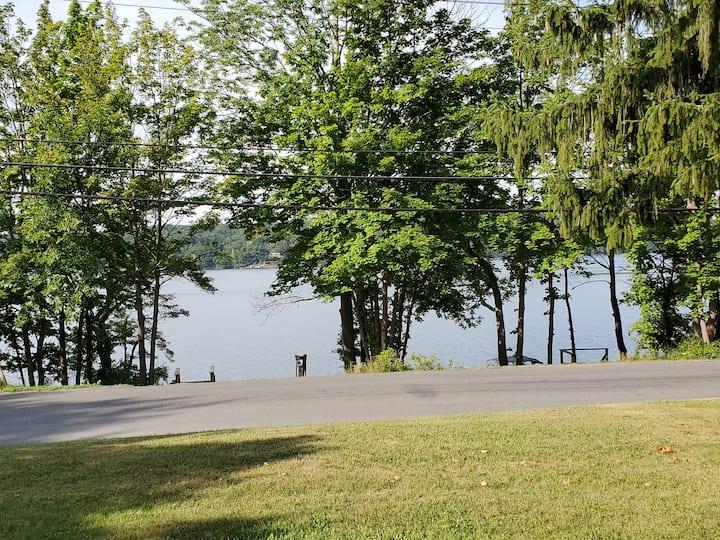 Copake Lake Country House