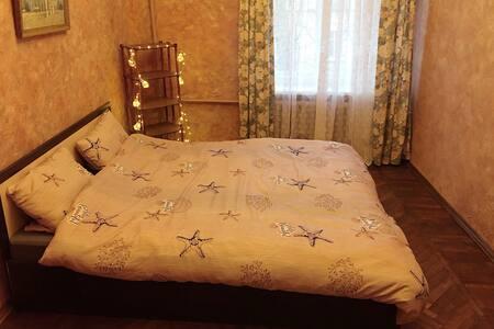 Стильная комната в Сталинке