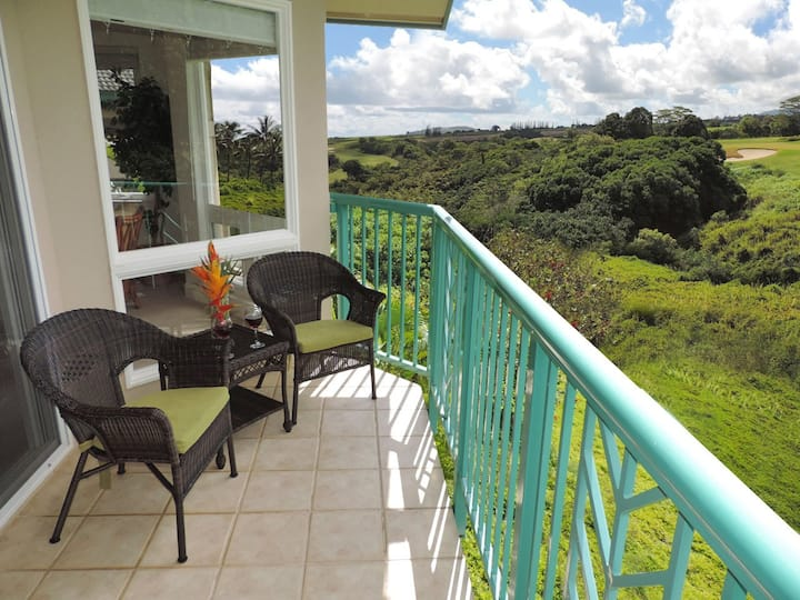 Villas on the Prince 13-Elegant end unit on golf course, mountain views, pool