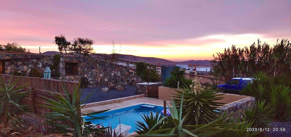 La Bodega: calm & mountains views