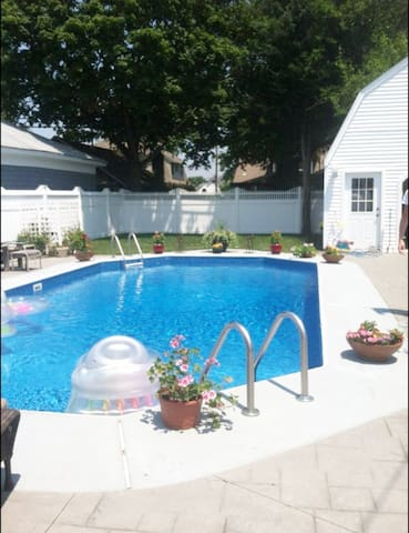 "BELMAR  ""Paradise by the Sea"" 4 blocks to beach"