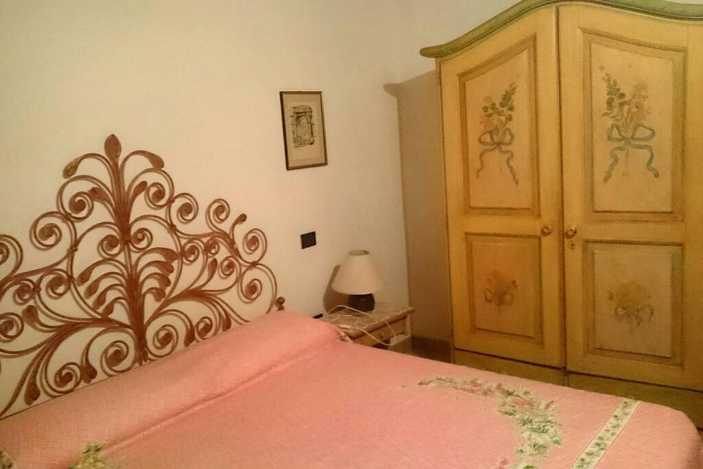 camera letto matrimoniale.