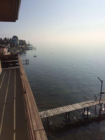 CULLY, bel appartement tout au bord du lac Léman - Bourg-en-Lavaux - Apartamento