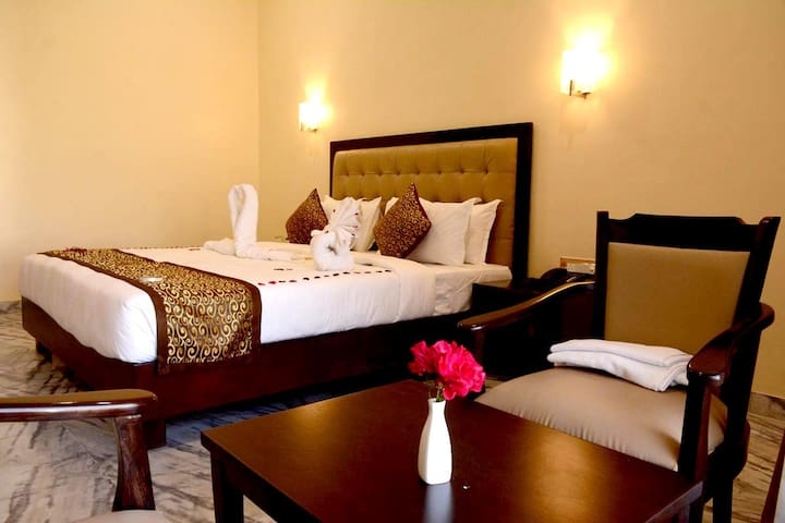 luxurious Stay at abu road