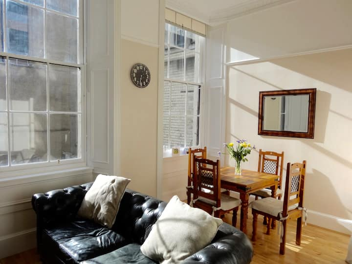 Stunning one bed flat in the heart of Glasgow