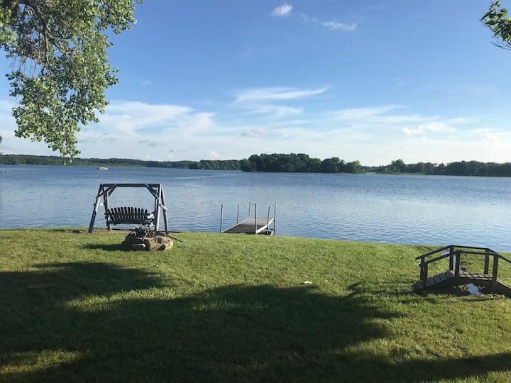 Amazing Lakefront Cottage!