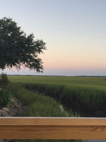 AMAZING VIEWS, Peaceful home w/pool. On The Marsh!