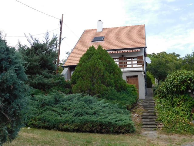 House for 4+2 persons in Velence R79556