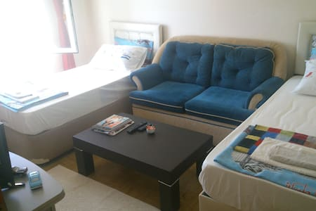 Twin room 5 min from the airport! (SAW) - Apartment