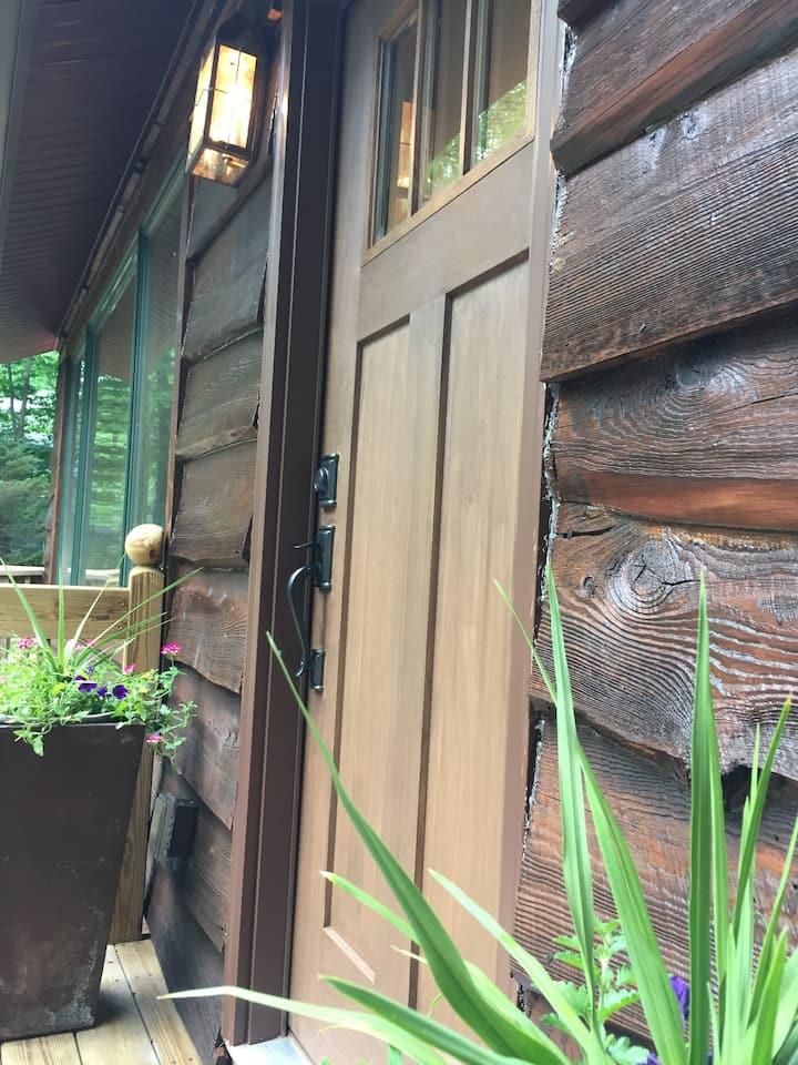 The Cabin in Lake Naomi