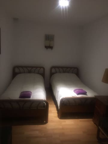 Habitación Triple. Tres camas de 90
