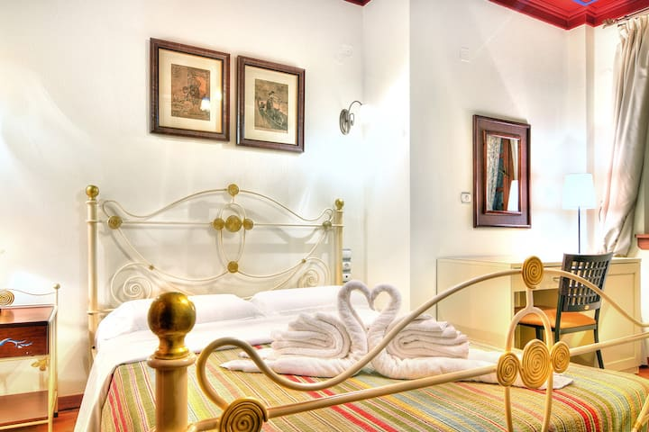 Melinas Boutique Hotel B&B-Deluxe Double with fireplace