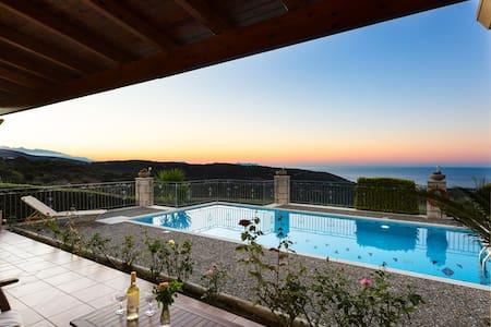 Villa Argiro, 1 bedroom villa with swimming pool