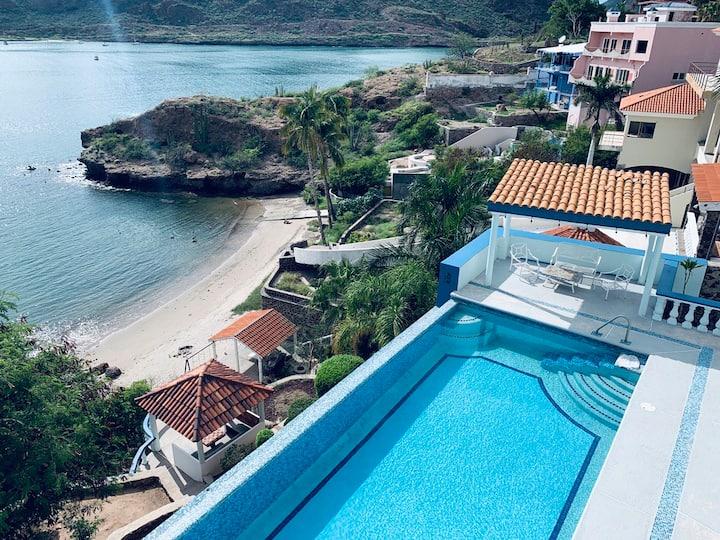 Cliff-Side Villa with Private Beach - Casa Agua