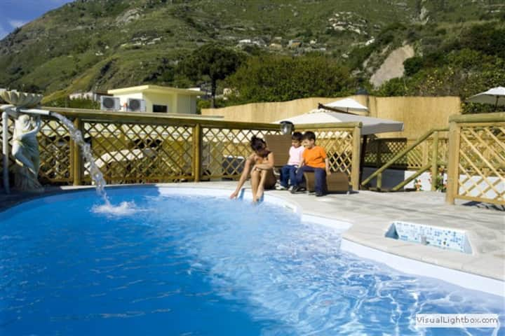Villa con piscine ed ampio giardino