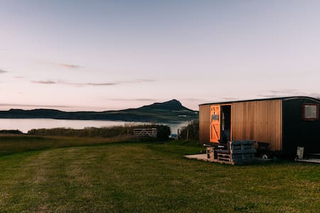 Porthselau Shepherds Hut