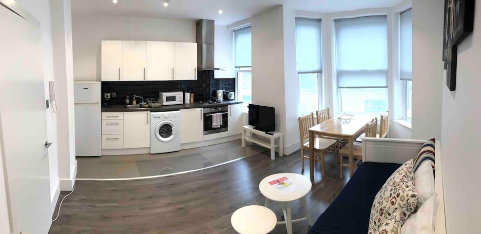 Stylish Central Zone 1 London Apartment