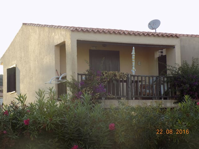 Comodo trilocale in Sardegna - Cannigione - House