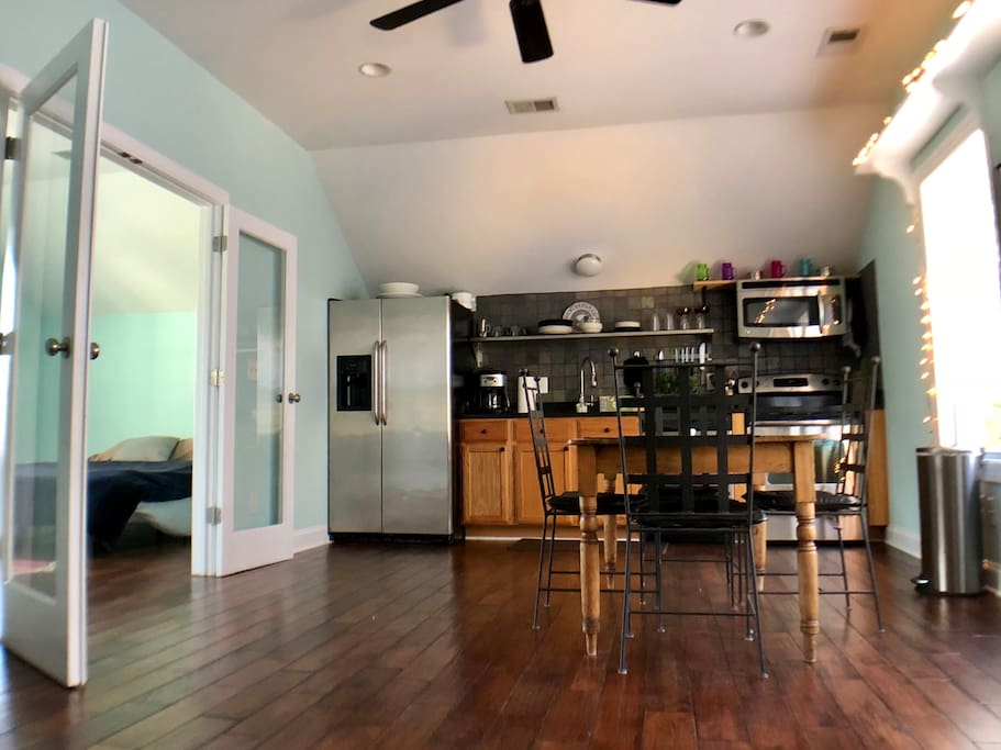 Upstairs 'living quarters' eat-in kitchen.