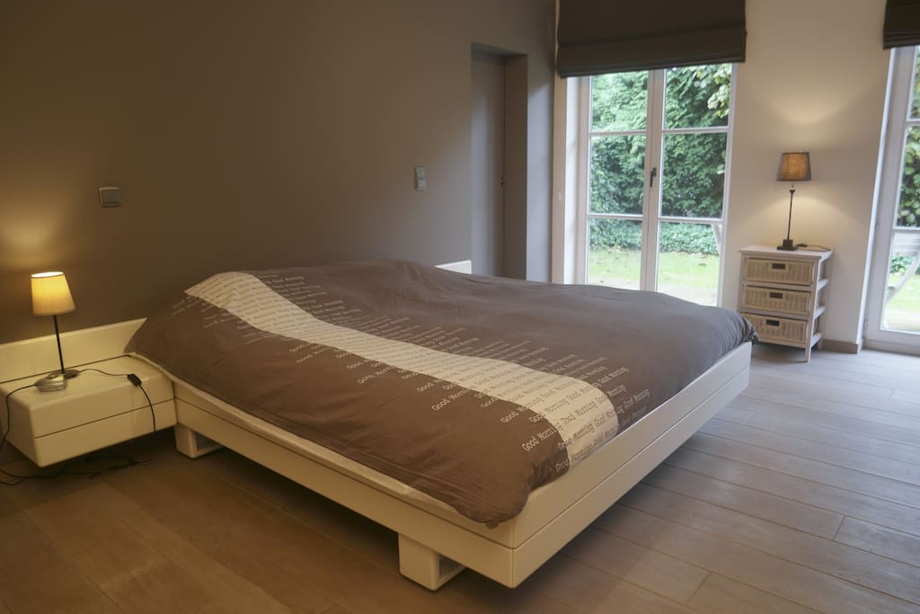 double bed with 2 separate mattresses