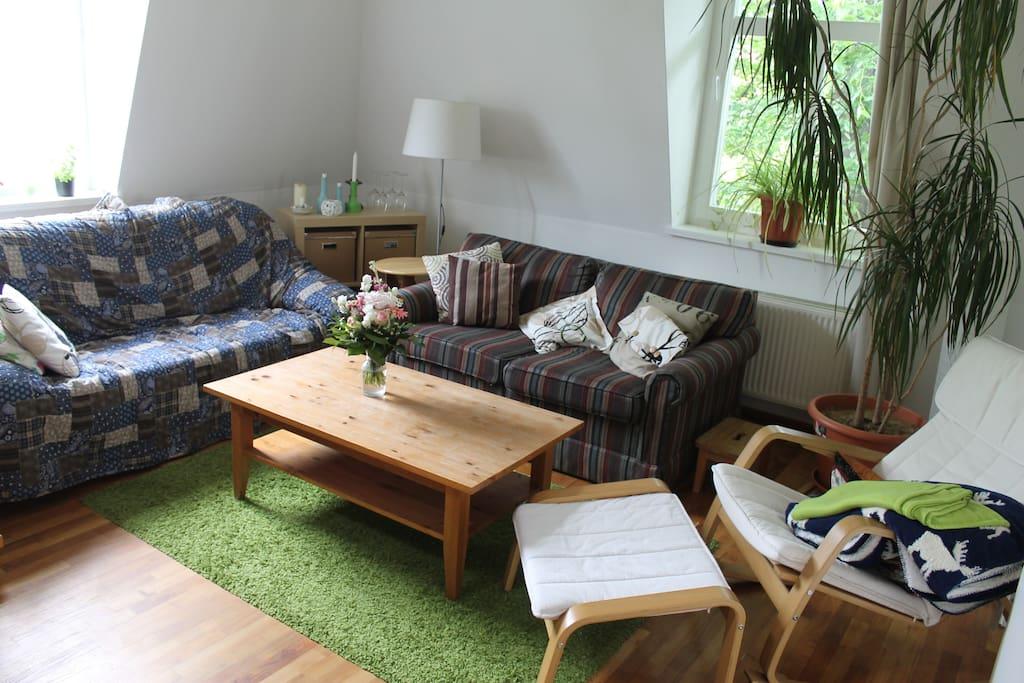 Maisonette wohnung 3 zimmer im szeneviertel wohnungen for Esszimmer neustadt