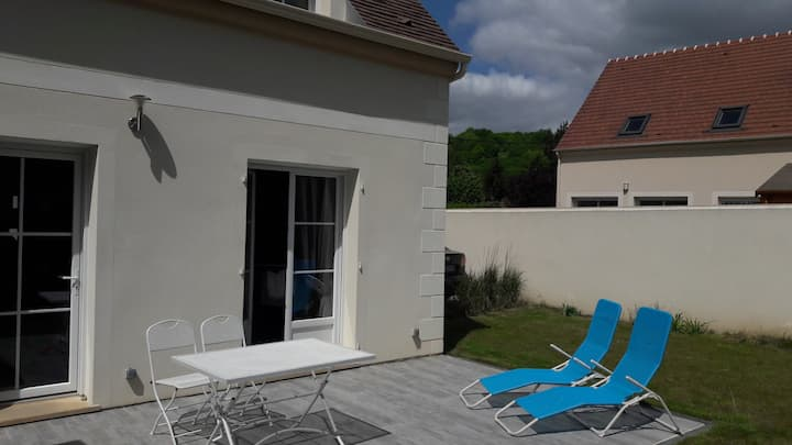 New Village house close to Chantilly 3 BDRM