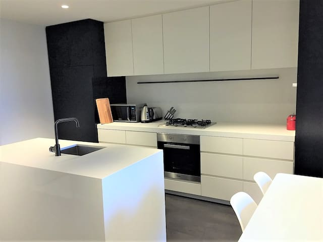 Fully equipped Kitchen, with fridge, dishwasher, stove and microwave