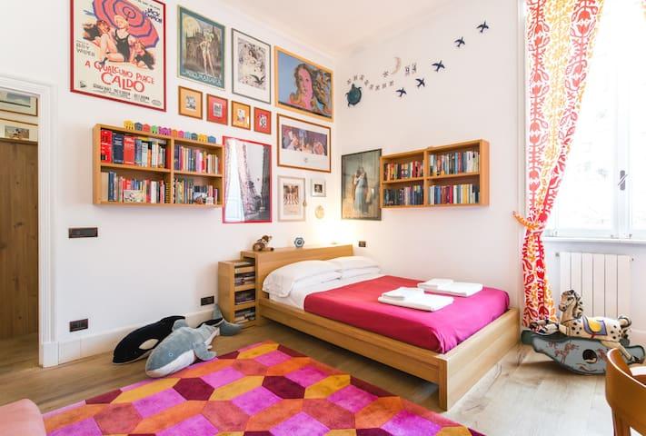 First floor: The red bedroom