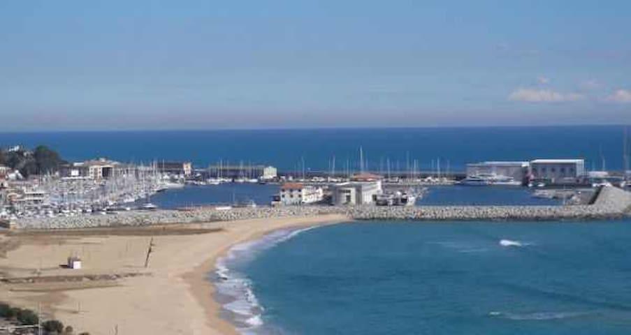CASA EN LA PLAYA - Arenys de Mar - Ev