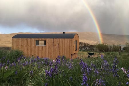 Tiny Home Shetland - stunning views - retreat