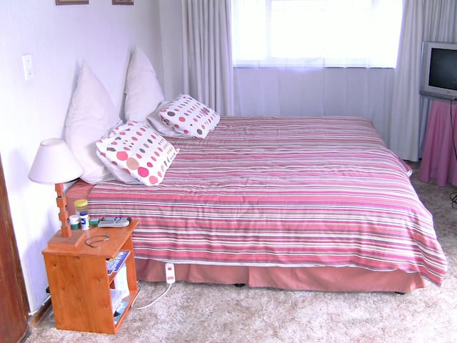 Clean and comfortable room - Kempton Park - House