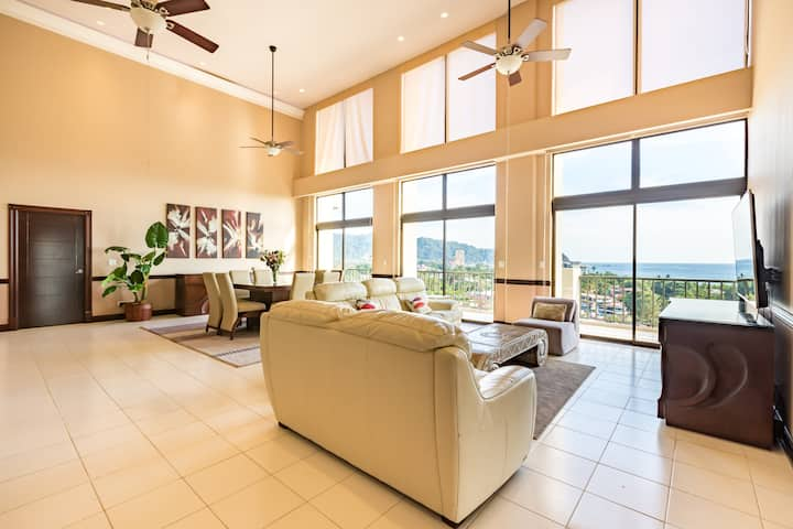 LUXURIOUS PENTHOUSE WITH OCEANVIEW JACO BAY