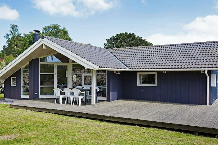 Cozy Holiday Home in Asnæs with Fishing nearby