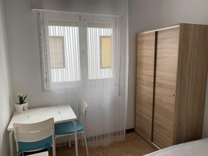 Habitación céntrica y económica en Corralejo