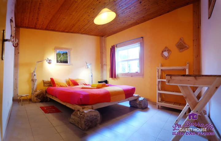 A Barraka Orange Room