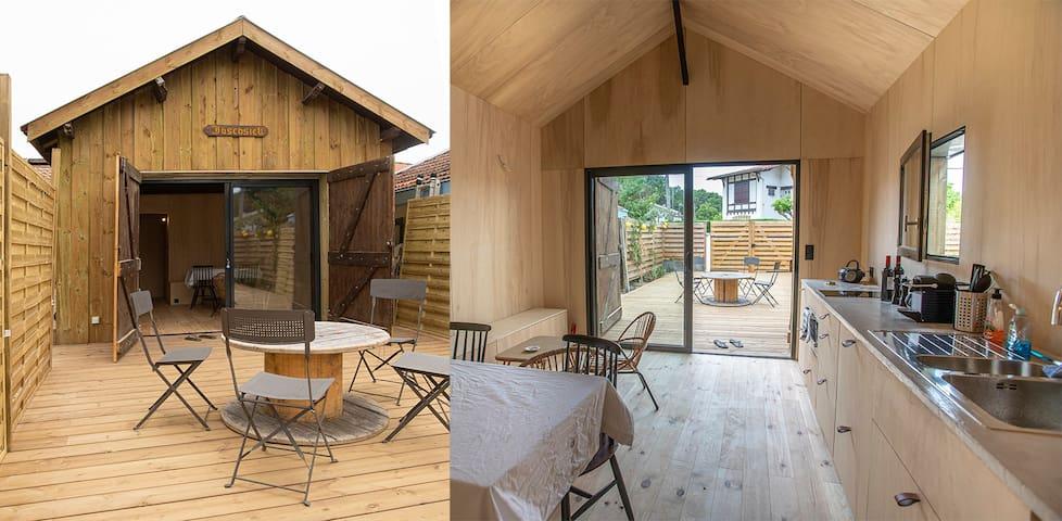 Cabane authentique en bois à 80 metres de la plage