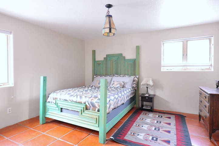 Minutes to all Santa Fe has to offer!  2BR/Den/1Ba