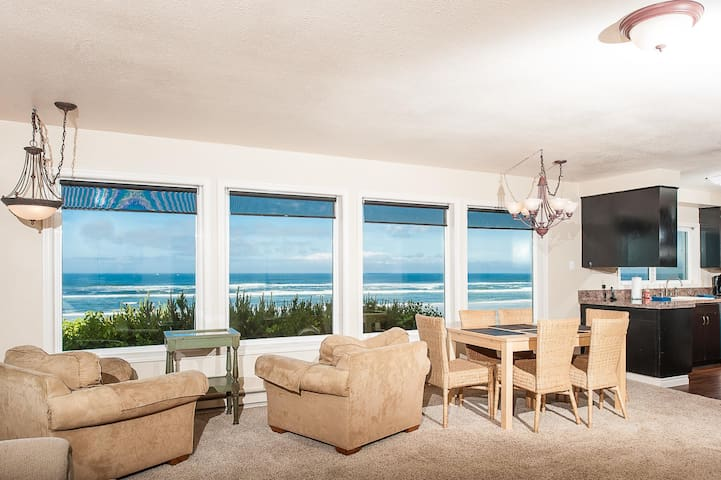 Amazing pet-friendly oceanfront home with private beach access in South Beach