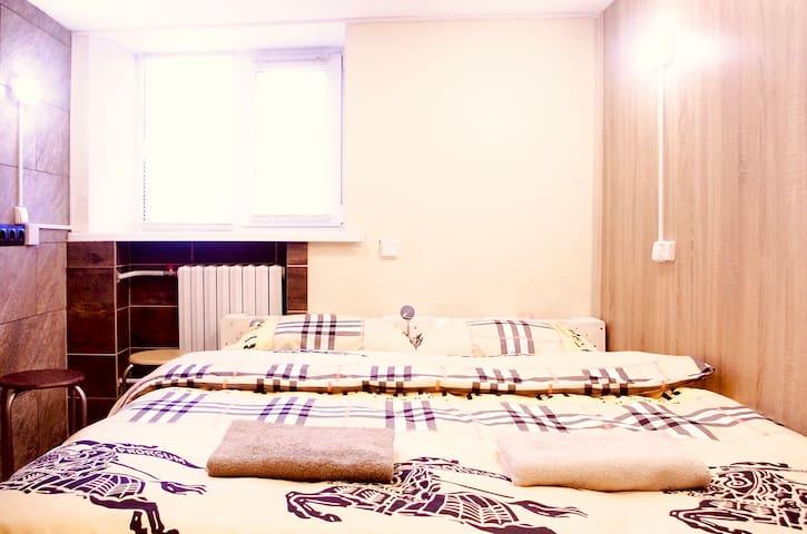 Исторический центр. Бокс с двухспальной кроватью.