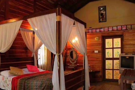 FOREST FLOWER HOMESTAY WOODEN COTTAGE - woodrose