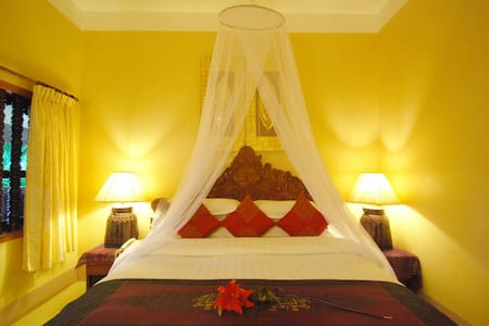 Awesome Suite for 2 in Angkor