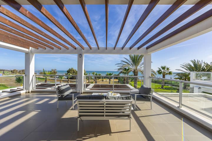 4 Bedroom Villa Pervolia Beach Front
