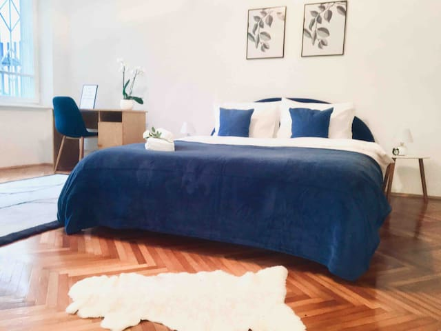GRAND ENSUITE; 2+1 BDR, 24h self check-in, parking